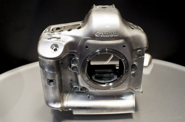 Canon-EOS-1Dx-camera-body