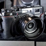 Fujifilm-X-100-black-limited-edition-camera-1
