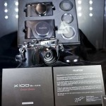 Fujifilm-X-100-black-limited-edition-camera-2