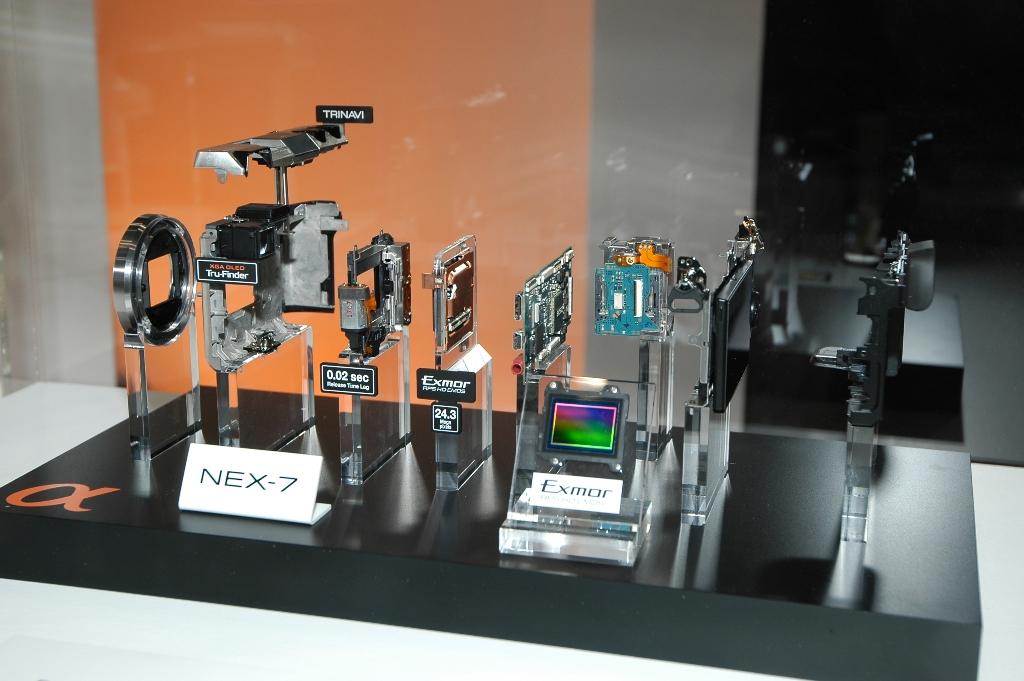 Sony NEX7 Innards