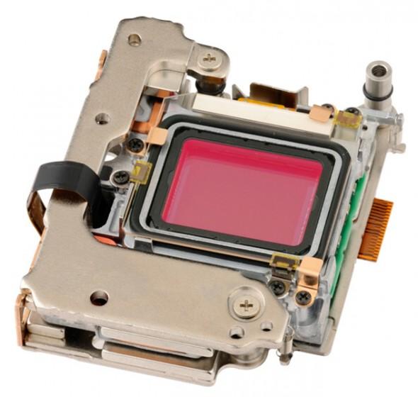 Olympus-OM-D-E-M5-sensor-by-Sony