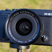Fujifilm-X-E1-XF14mm-2.8-lens