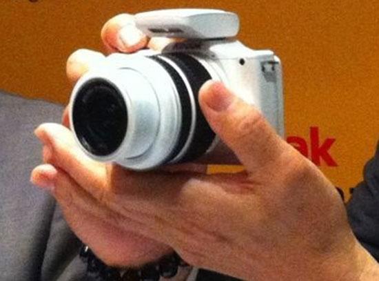 Kodak-S1-mirrorless-Micro-Four-Thirds-camera-(3)