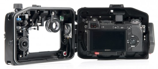 Nauticam NA-NEX6 underwater housing for the Sony NEX-6 Camera4