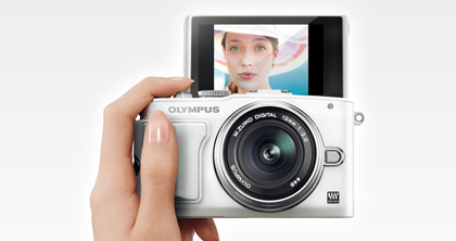 Olympus PEN Lite E-PL6 camera 2