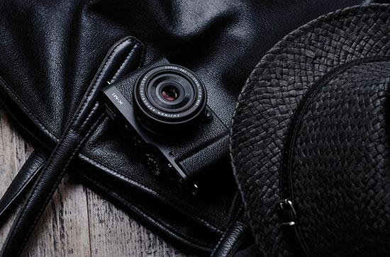Black_Fujifilm-X-M1-mirrorless-camera