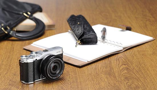 Fuji-X-M1-mirrorless-camera