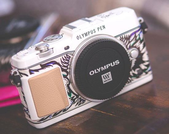 Harrods-Olympus-Pen-Camera-Art-Edition-by-Suzko