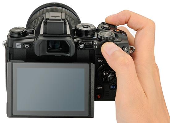 Olympus-E-M1-camera-back