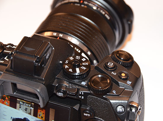 Olympus-E-M1-camera-top