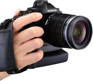 Olympus_E-M1_camera_grip