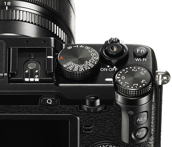 Fuji-X-E2-camera-controls