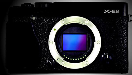 Fuji-X-E2-camera-leaked