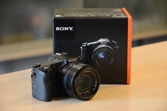 Sony-RX10-camera-2
