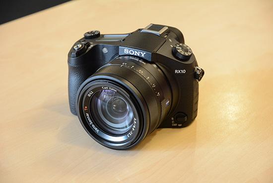 Sony-RX10-camera-3