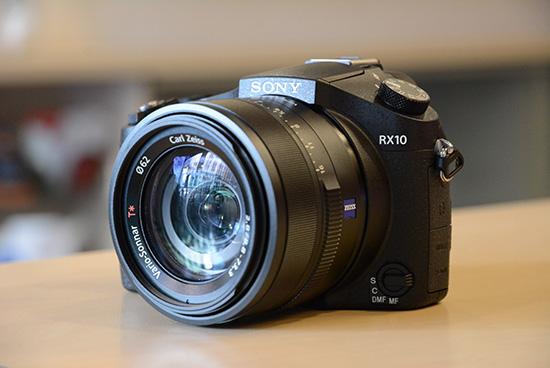 Sony-RX10-camera