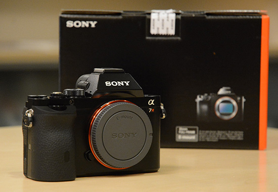 Sony-a7-box