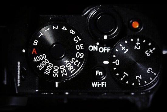 Fuji-X-T1-camera-dials