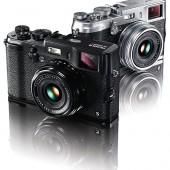 Fuji-X100s-black-camera