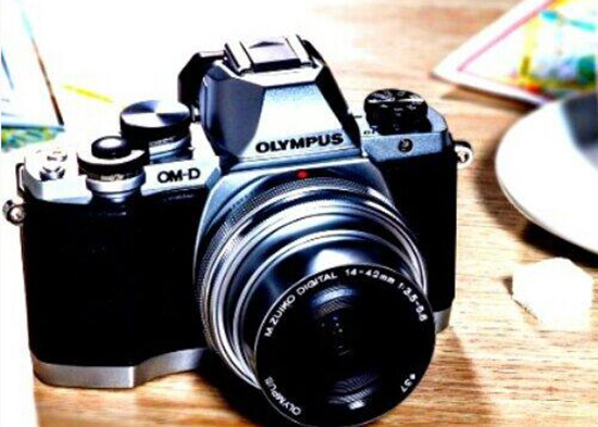 Olympus-OMD-E-M10-camera
