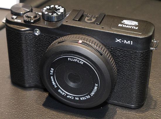 Fuji-24mm-f8-lens-cap-lens