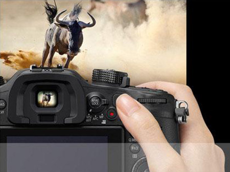 Panasonic-GH4-camera-controls