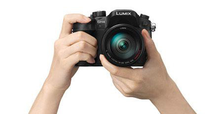Panasonic-GH4-camera-hands
