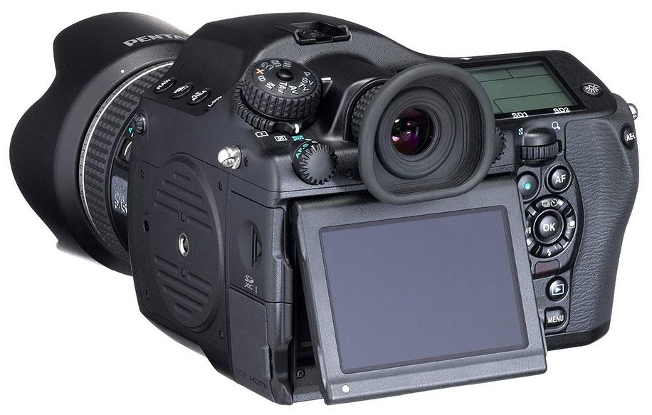 Pentax-645D-2014-medium-format-camera