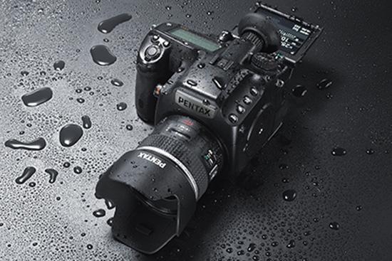Pentax-645z-medium-format-camera-2