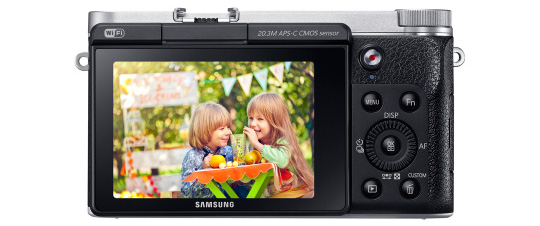 Samsung-SMART-NX3000-mirrorless-camera-back