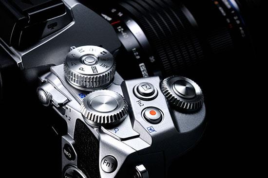 Silver-Olympus-OM-D-E-M1-camera-2