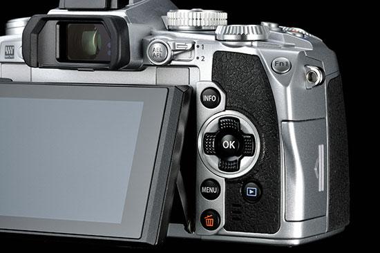 Silver-Olympus-OM-D-E-M1-camera-3