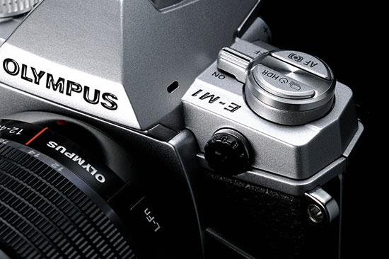 Silver-Olympus-OM-D-E-M1-camera
