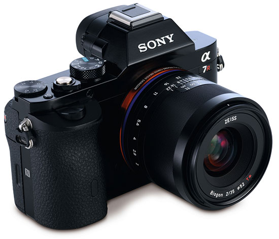 Sony-a7r-camera-with-Zeiss-Loxia-lens