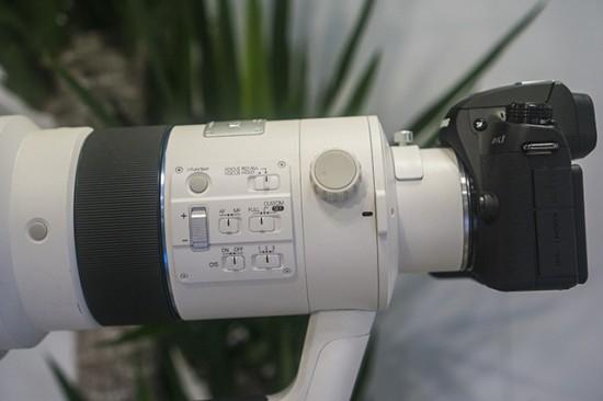 Samsung S 300mm f:2.8 ED OIS NX lens 2