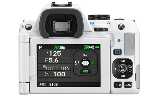 Pentax-K-S-camera-back-LCD-screen-white