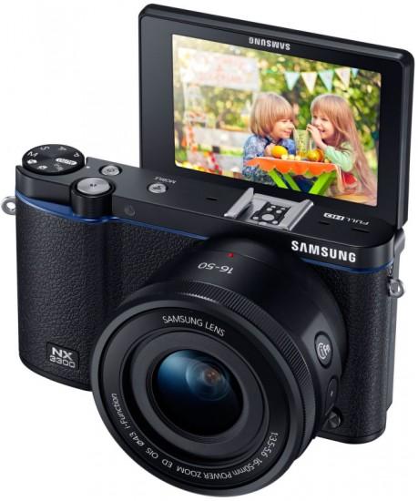 Samsung-NX3300-mirrorless-camera-LCD-screen
