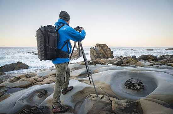 MindShiftGear-FirstLight-backpacks-designed-to-carry-large-lenses