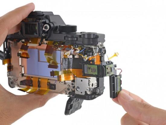 Sony a7R II camera teardown 3