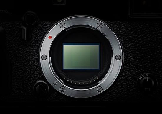 Fuji-X-Pro2-sensor-made-by-Sony