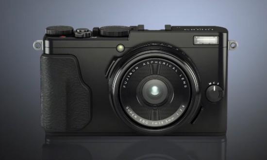 Fuji-X70-camera
