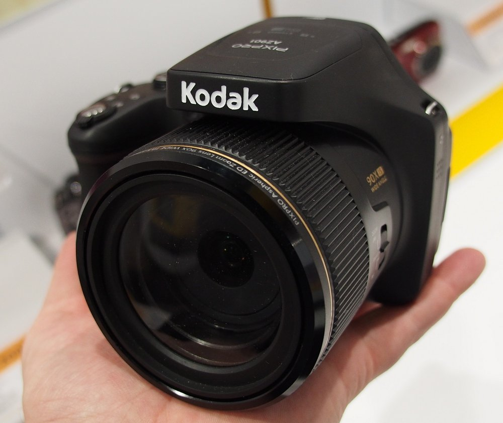 Kodak Astro AZ901 90x zoom camera spotted at CES | Photo ...