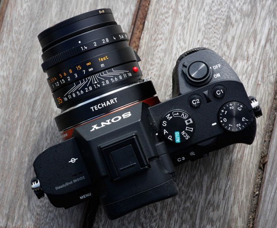 Techart-PRO-AF-Leica-M-lens-adapter-for-Sony-E-mount-cameras-top