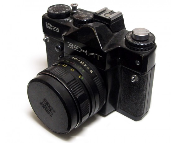 The-Russian-Zenit-Зенит-camera-brand-coming-back-to-life