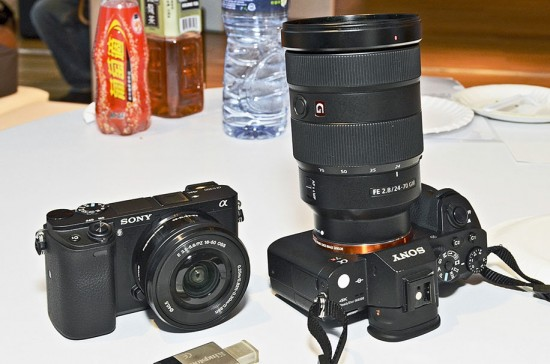 Hands-on-with-the-new-Sony-a6300-camera-and-G-Master-FE-24-70mm-f_2.8-GM-lens