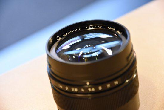 Panasonic-Leica-DG-Summilux-12mm-f1.4-ASPH-lens-5