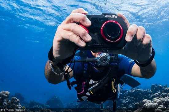 sealife-dc2000-digital-underwater-camera