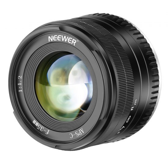 New: Neewer 35mm f/1.2 mirrorless lens for Fuji X and Sony E mounts