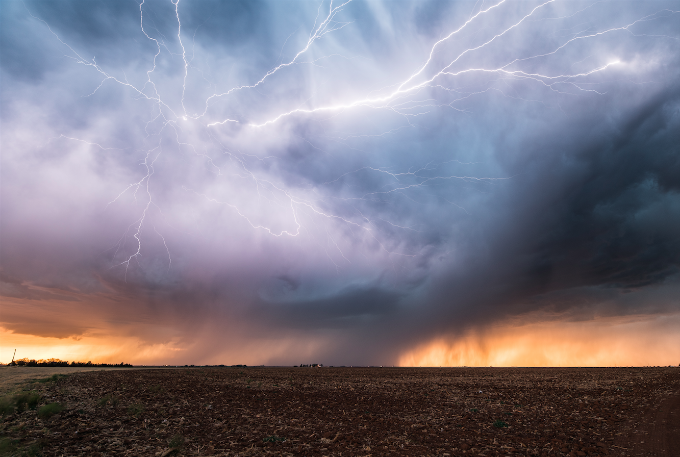 Interview With Real Storm Hunter And Photographer Guillaume Hobam