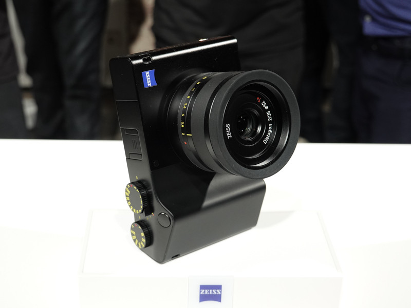 Zeiss Zx1 Full Frame Fixed Lens Camera Hands On Pictures